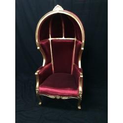 Location fauteuil carosse velours rouge et bois doré H170 cm