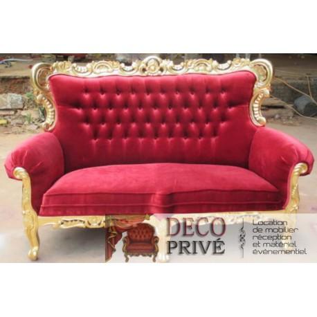 location banquette baroque velours rouge. Black Bedroom Furniture Sets. Home Design Ideas