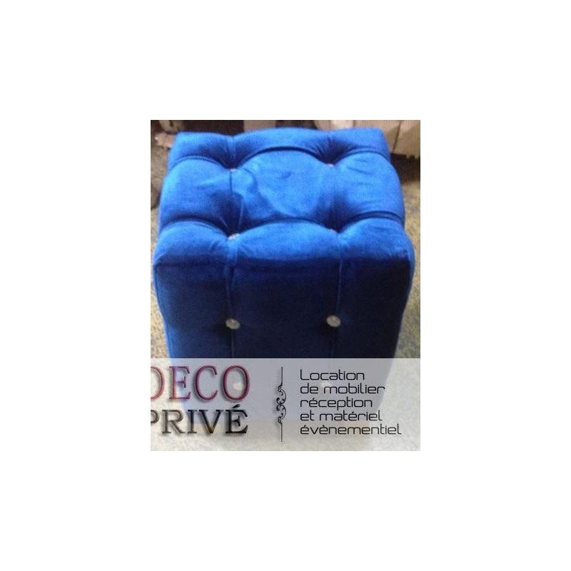 location de pouf en velours bleu pour v nementiel. Black Bedroom Furniture Sets. Home Design Ideas