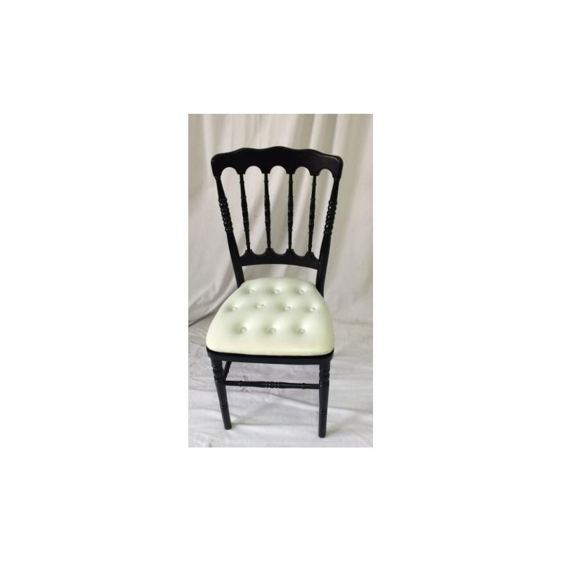 Location chaise napoleon 3 noire et galette blanche for Chaise napoleon blanche