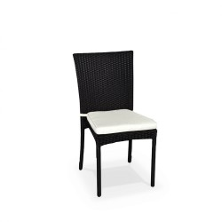 Location fauteuil de jardin en résine tressée