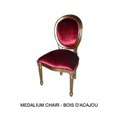 Location de Chaise Medaillon Velours Rouge Et Bois Dore