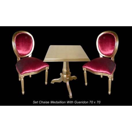 Location pack chaises médaillons dorées et velours rouge