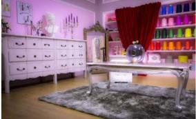Location mobilier pour plateau TV le dressing de Kim kardashian